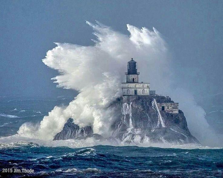 """' Faro de la roca de Tillamook fuera de la costa de Oregon """""""