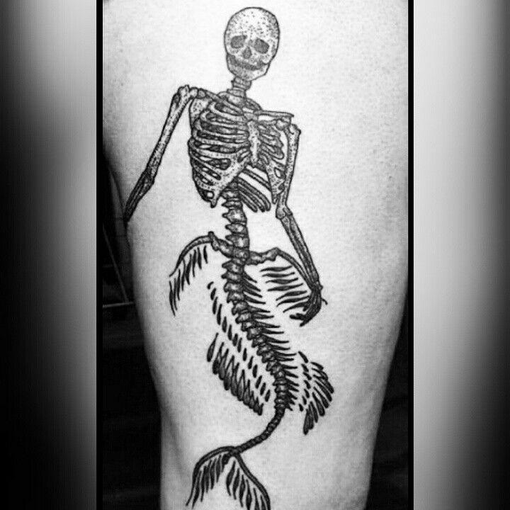 #imperiumartis #imperium #artis #tattoo #tattoostudio #ink #tatuaggio #Roma #instatattoo #instatattoos #tattooart #skeleton #mermaid #skull #dead #bones #half #human #fish #horror #scheletro #sirena #ossa #blackandwhite #blackandwhitetattoo #blackandwhitetattoos