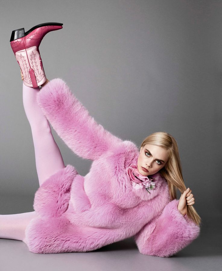 Cara in Gucci for Elle US September 2016