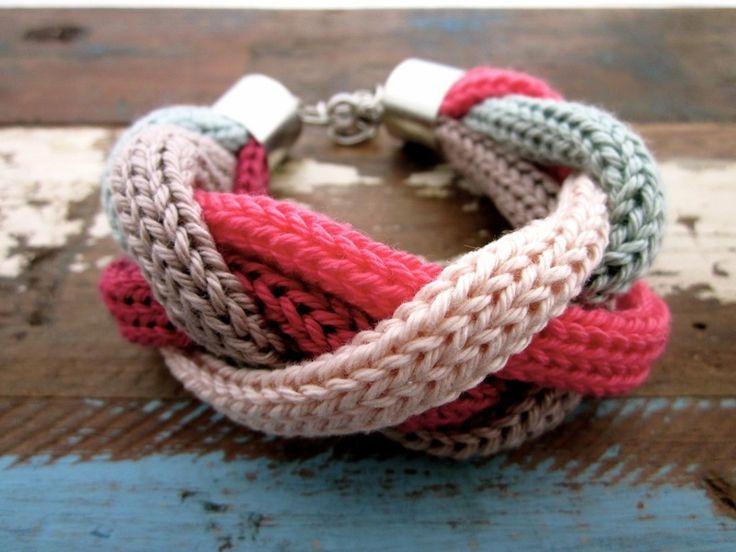 """Armbänder & Armreife - Geflochtenes Strickarmband """"Wilow"""" - ein Designerstück von RiekeMT bei DaWanda"""