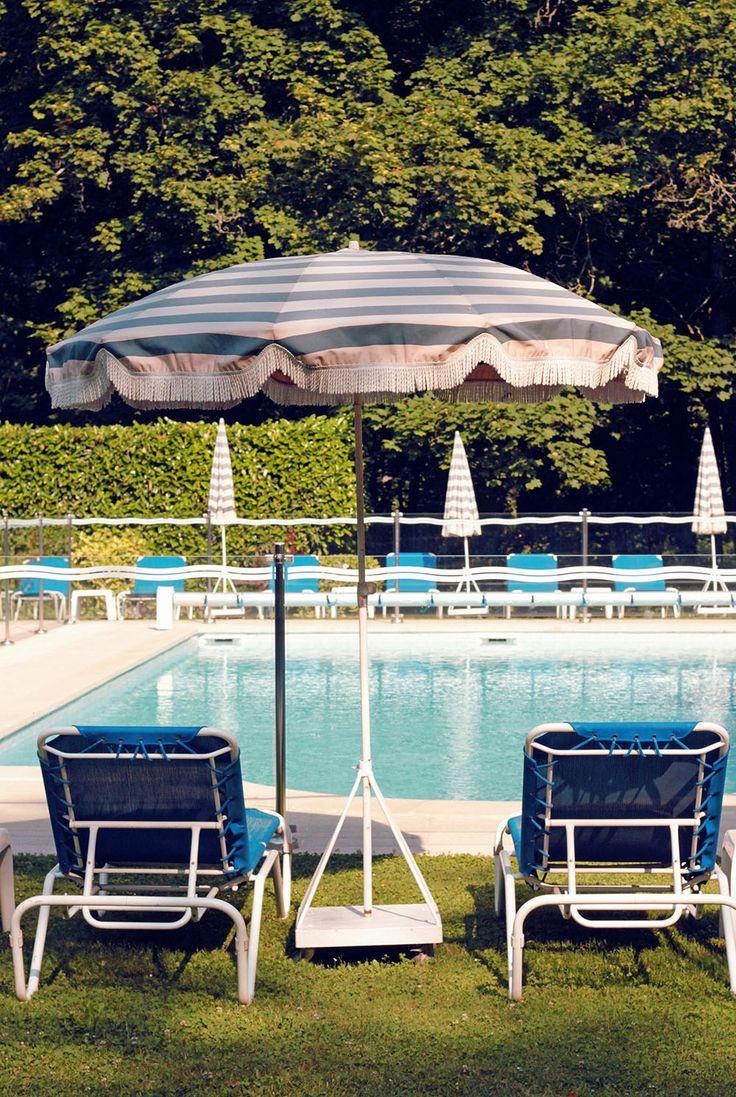8 best piscines pools images on pinterest swimming for Piscine de divonne