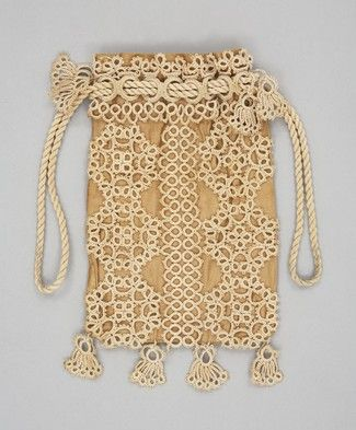 pretty // 1900 - 1950, England: Ca 1900 England, Tatted Bags, Tatted Purse, Collectibles Fashion Purses, 1900 1910, 14 Bags Bags Bags, Tatting Purses, Tatting Bags