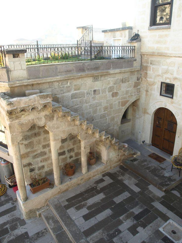 maison ancienne en turquie la cour int rieure cappadoce homeexchange maisons de r ve. Black Bedroom Furniture Sets. Home Design Ideas