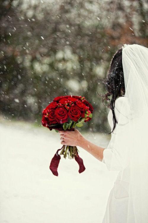 Wednesday Wedding Inspiration: Red & Warm Christmas | Bespoke-Bride: Wedding Blog #winterwedding