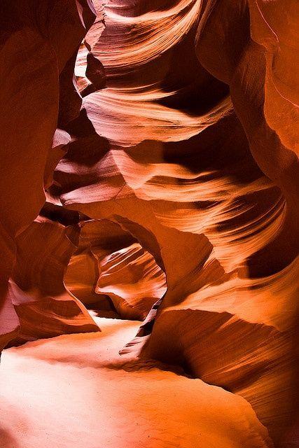 Twists and turns at Upper Antelope Canyon, Arizona