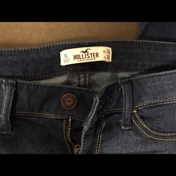 Hollister jeans Hollister jeans. Worn only 2-3 times, wrinkly due to sitting in a pile of jeans😁 Hollister Jeans Skinny