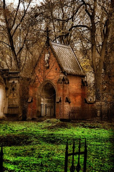 : Witch Houses, Thomasvil Cemetery, Magic Places, Beautiful Gardens, Cottages Gateh, Little Cottages, Abandoned Places, Abandoned Church, Gates Houses