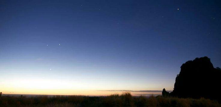 Sunset at Piha. 10sec shutter speed. Southern star. Auckland, New Zealand