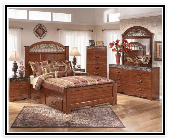 Cherry Bedroom Furniture Traditional
