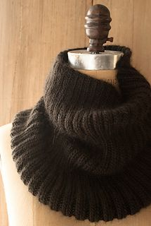 Lovely Ribbed Cowl by Purl Soho, free pattern. Original worked in DK. Also in worsted.