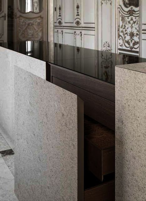 Stone kitchenfronts. The Pietra Design by Claudio Silvestrin for Minotti Cucine.