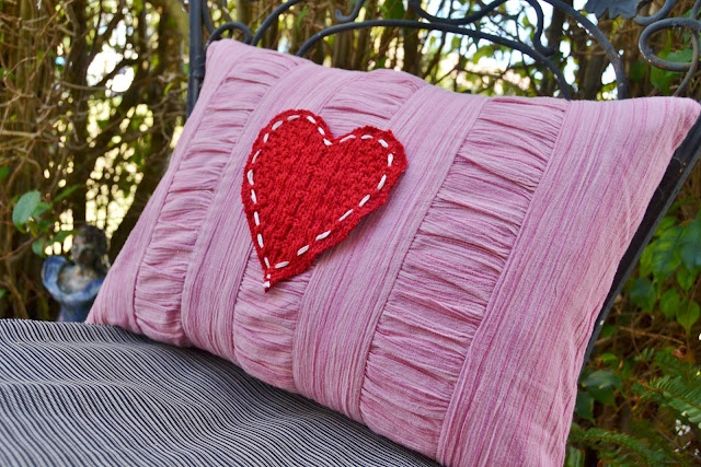 Re-Cycled Valentine Heart Pillow: Holiday, Wacky Pillows, Pattern, Valentines, Valentine Heart, Re Cycled Valentine, Heart Pillow, Valentine Pillow, Pretty Pillows