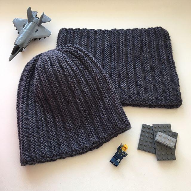 Комплект шапочка и снуд для маленького модника. Сезон: осень, весна. Состав: 50% мериносовая шерсть, 50% фибра. Цена: 1400₽ #связаноспицами #связаносдушой #связанослюбовью #вяжуназаказ #вяжунемогуостановиться