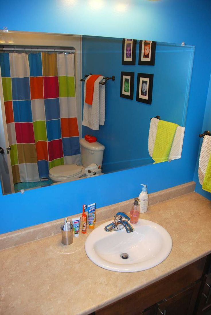 Awesome kids bathrooms - Awesome Kids Bathroom Design Wckids By Sanindusa Cool Kids Bathroom Design With Blue Wall And Big Mirror And White Washbasin