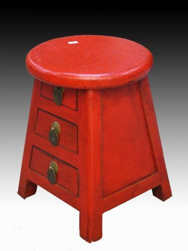 Un-Chino-En-Madera-Preciosa-Color-Rojo-Redondo-Estilo-Con-Tres-taquillas-Taburete: