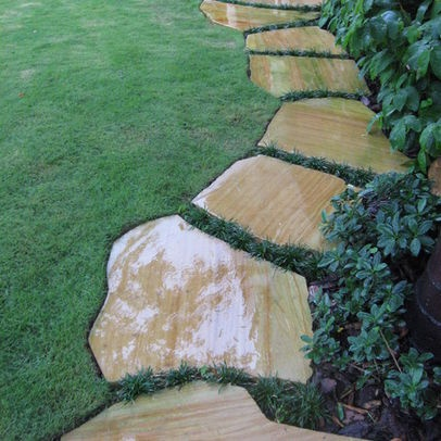 Stepping stone walkway my green playground pinterest - Stepping stones for walkways ...