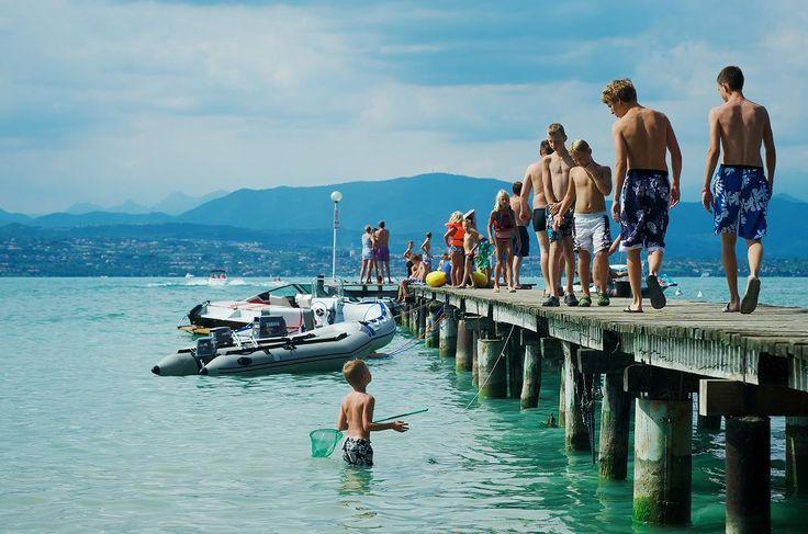 Camping San Francesco bij Desenzano / Sirmione aan het Gardameer, Italië. Met een prachtig zwembad en veel faciliteiten, is deze mooie camping een aanrader voor vakantie met de kids! Voor meer informatie: http://gardacamp.nl/camping-san-francesco