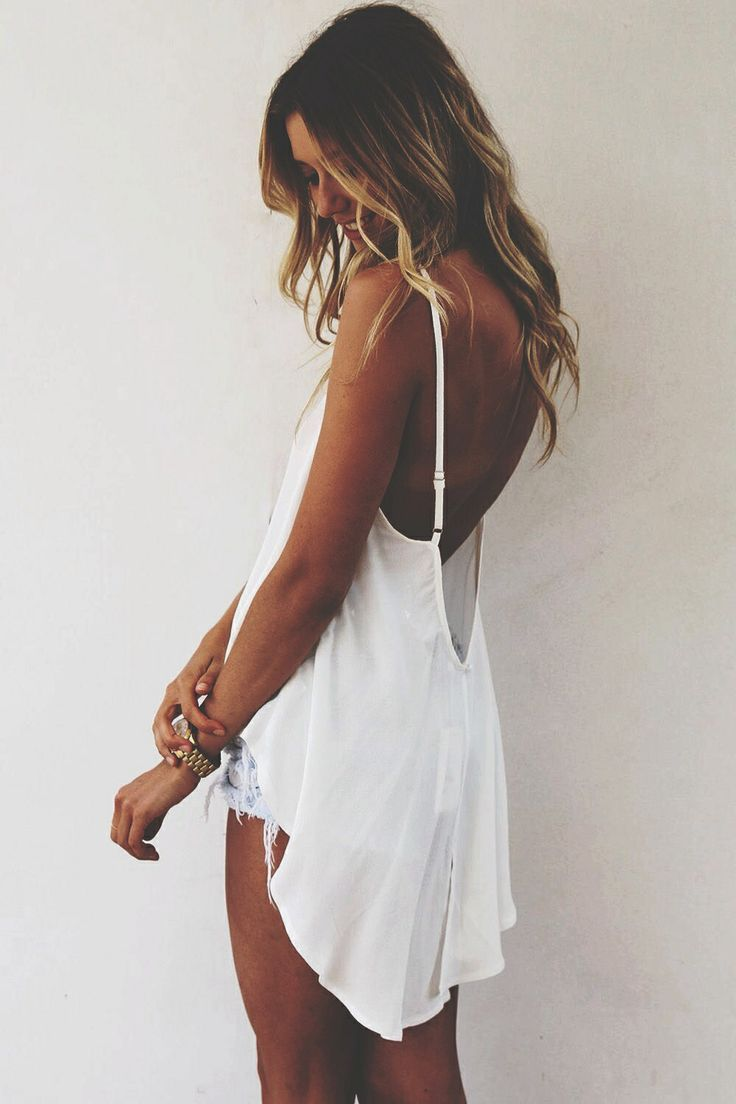 Low back top. Summer outfits.