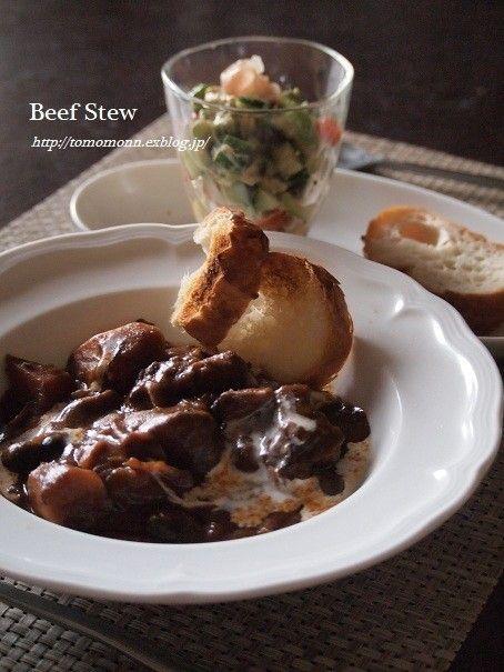 とろとろ牛スネ肉のビーフシチュー/お肉350はちょっと少ないかな?肉ワインで圧力15分→玉ねぎ、にんじん圧力5分→ジャガイモ圧力10分。美味しかった。