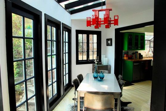 Black trim...love it and will have this inmy home!! Around all windows and doors...gorgeous