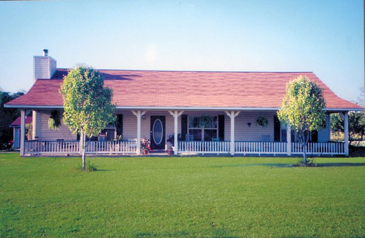 Whittaker hill ranch home house plans home and beautiful for Beautiful ranch home designs