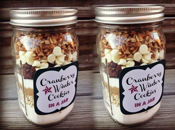 10 Christmas Cookie Mixes in Mason Jars | Mason jar crafts via putitinajar.com
