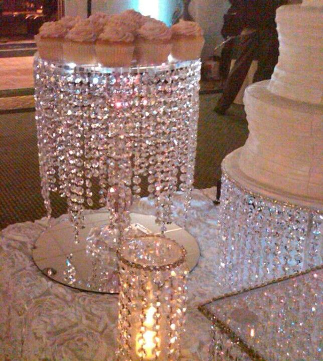 Wedding Cupcake Stand Ideas: Wedding Cake & Dessert