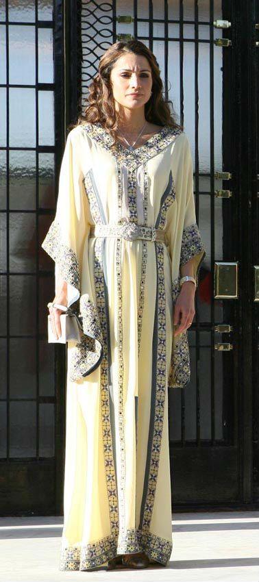 Queen Rania of Jordan abaya