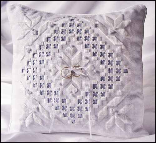 Ring bearer pillow Discountneedlework.com