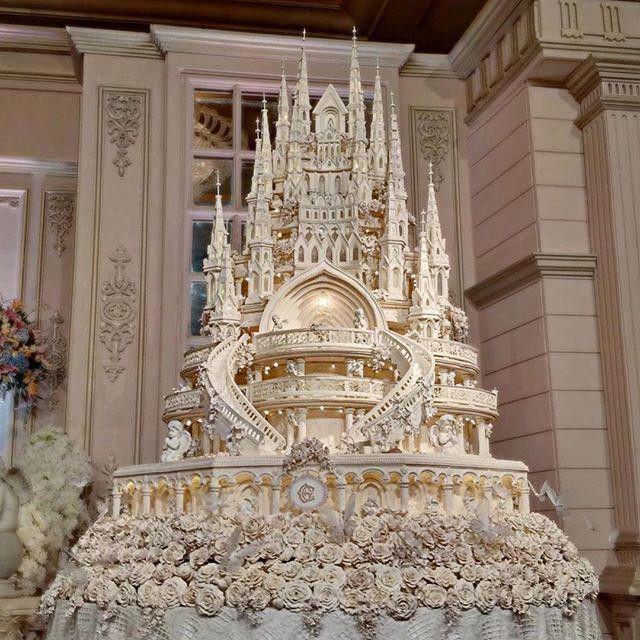 Steampunk Tendencies | Fairy tale Castle 4.5 meters wedding cake made by...