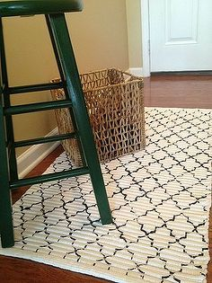 Great DIY Rugs - 10 00 rug update how to stencil a rug, flooring, painting, Stencil Rug to update my entryway