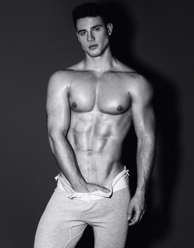 Dmitry Averyanov: The Russian Desire by Brian Jamie | Burbujas De Deseo