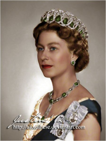 Queen Elizabeth II………LOVELY PICTURE OF THE QUEEN…………ccp
