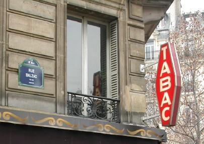 """la carotte du bureau de Tabac #france. Photo """"panoramique': http://remue.net/spip.php?article130 Pour en savoir plus: http://lanas.centerblog.net/6452074-Origine-du-mot-TABAC"""