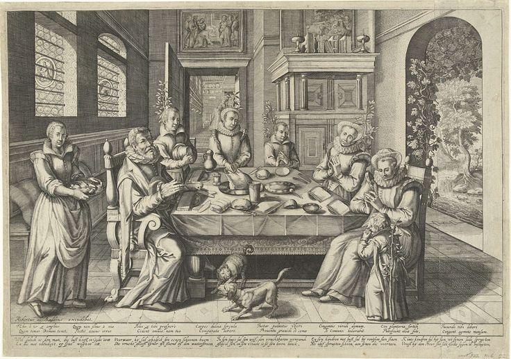 Robert de Baudous | Het gebed voor de maaltijd, Robert de Baudous, Anonymous, 1591 - 1659 | In een woonvertrek zit een familie aan een gedekte tafel, biddend voor de maaltijd. De ouders en de oudste dochter zitten, de vier jongere kinderen staan. Het kleinste kind staat aan de schoot van de moeder. Links loopt een bediende met een schaal. Rechts een deuropening naar de tuin. Bij de deur groeit een druivenrank, dit symbool verwijst naar de moeder van het gezin als vruchtbare wijnstok (psalm…
