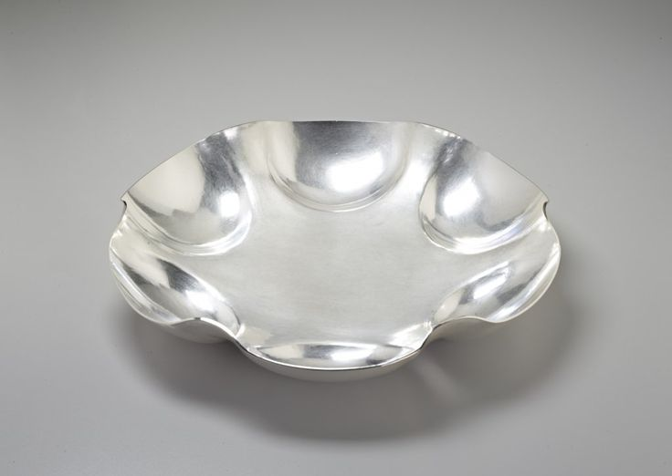 """JACK DA SILVA TANGENTS 8  Functional bowl. Sterling silver, raised with multiple centers.  2"""" x 11.5"""" x 11.5""""  Included in """"Tangents: Work by Jack da Silva,"""" 2015. Photo: M. Lee Fatherree"""
