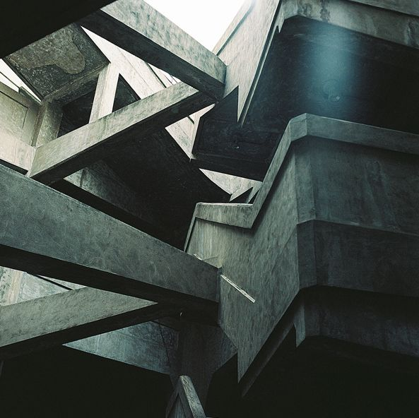 fiore-rosso:    ,brutalism / source.