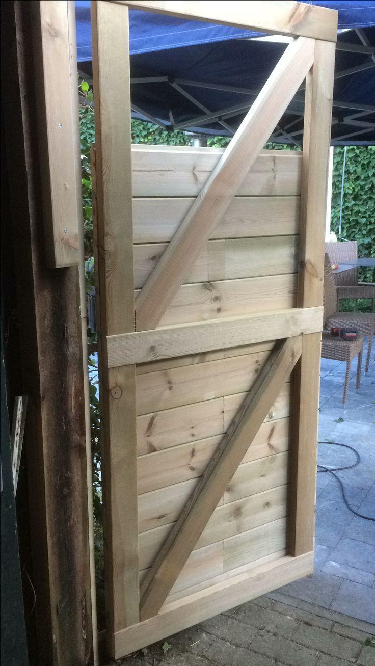 De deur van onze tuinschuur diy opgewaardeerd selber