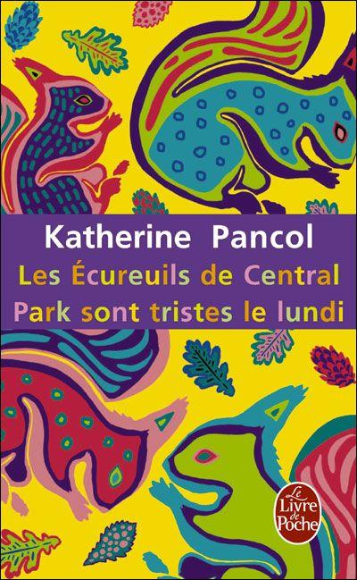 Les écureuils de Central Park sont tristes le lundi  Lu, Juillet 2012: Un livre très bien écrit, un style prenant et une histoire bien montée. Tout cela fait que l'on ne s'ennuie pas et on dévore les 900 pages en quelques jours. Ce livre m'a joliement accompagné lors de mes vacances.   Je n'avais pas lu le premier volet, mais je me suis quand même attachée aux personnages et j'attends la suite avec impatience! :-)