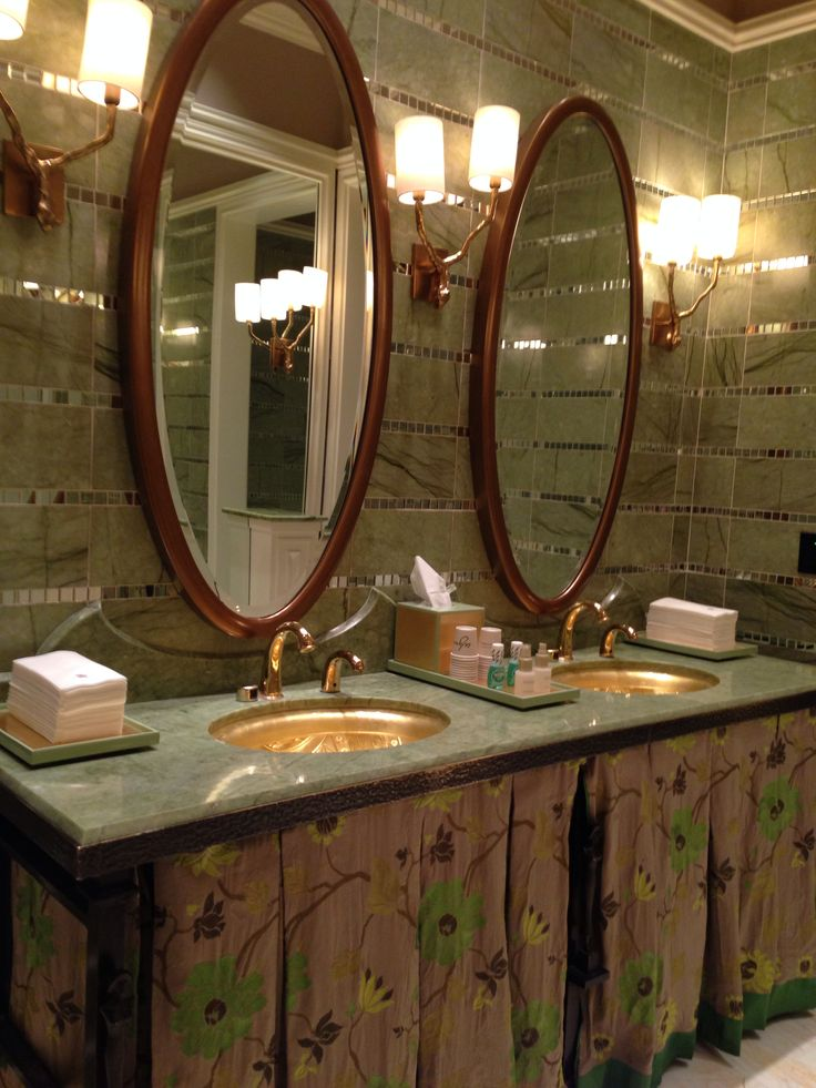 Gorgeous details in the lady's room at Sinatra Restaurant at Encore Hotel, Las Vegas - Photo by Wendy Tomoyasu