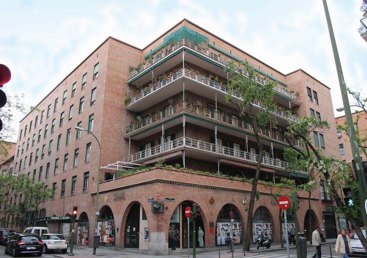 25 best secundino zuazo casa de las flores images on pinterest madrid street and rationalism - La casa del puzzle madrid ...