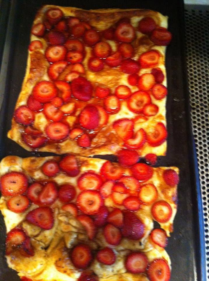 -1 sheet puff pastry, 16 ounces fresh strawberries, sliced, 2 TBS Mediterranean Balsamic Vinegar with Fig (demarle), 3 TBS honey 1. Preheat oven to 375 degrees. Place  2. Lay puff pastry on Flexipat and fold pastry up around the edges. 3. Place sliced strawberries evenly over pastry. 4. In Mixing Bowl, whisk balsamic vinegar and honey. Brush tops of strawberries with mixture with Silicone Pastry Brush. 5. Bake for 25 minutes or until pastry is lightly browned. best when warm