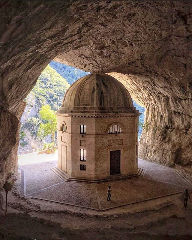 the neoclassic #architecture in travertine of the temple of valadier, designed by giuseppe valadier (1762-1839), has eight sides and stands in a limestone #cave #templeofvaladier photo by @gamma_f