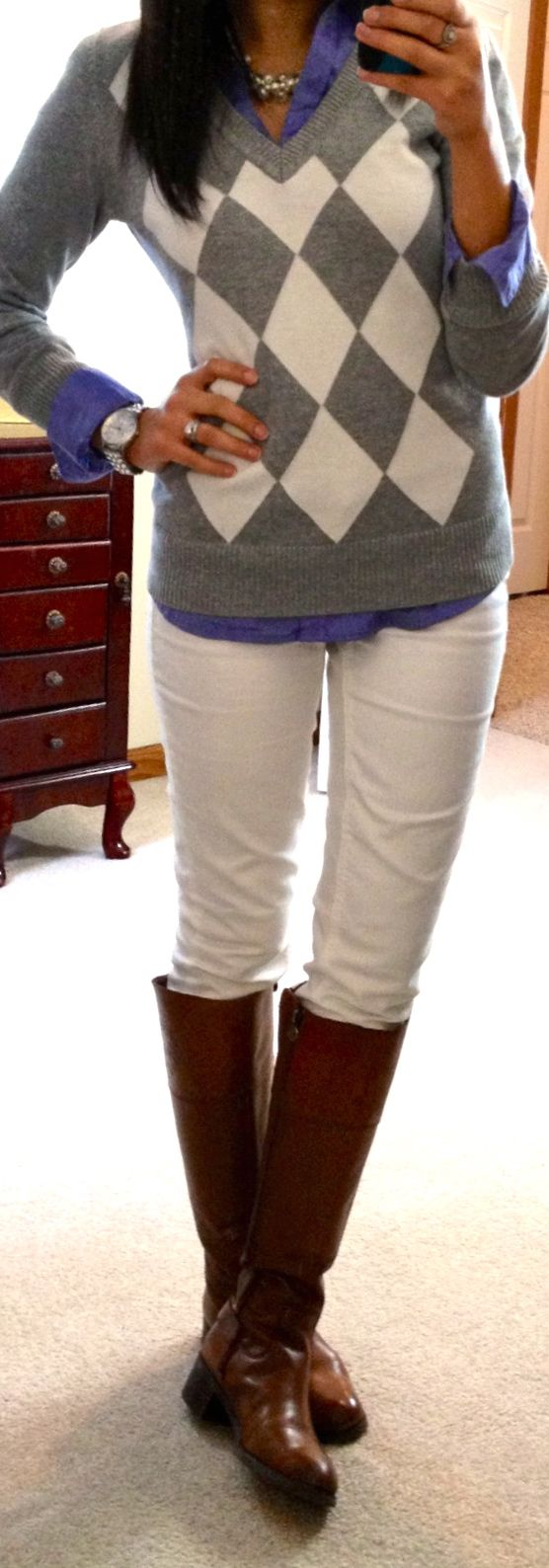 Early Spring/Fall outfit. White Pants, brown boots, blue button up and grey sweater.