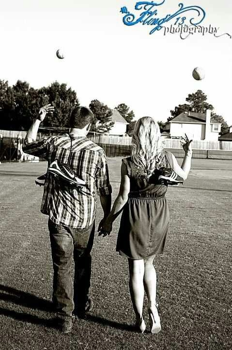 Engagement photos . Fling photography sports photography baseball softball