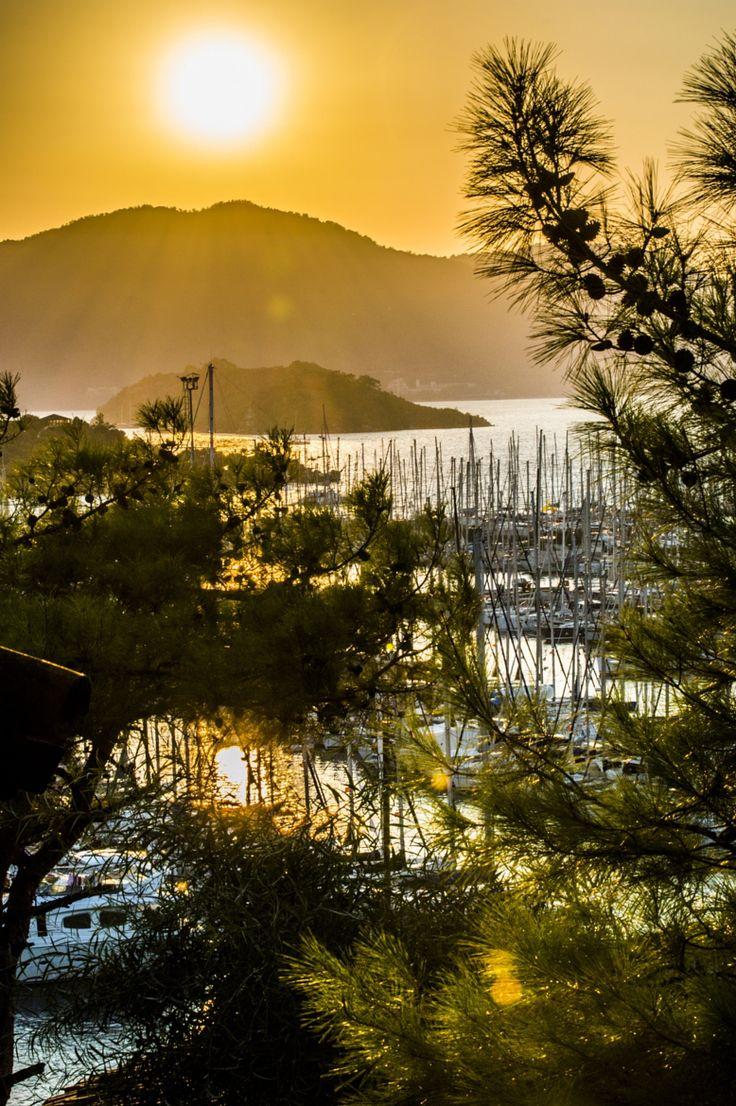 Sun Set Marmaris Marina on 500px by Ashley Henderson, Polegate☀NIKON D3200-f/20-1/160s-70mm-iso200, 4000✱6016px-rating:95.2◉Photo location: Google Maps