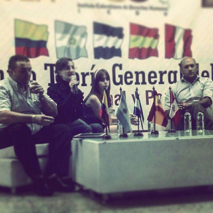 Encuentro Teoría General del Derecho: Justicia Transicional y Postconflicto