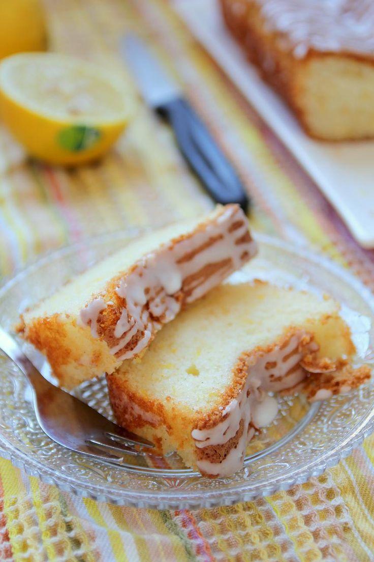 עוגת לימון ויוגורט עם זיגוג חמצמץ