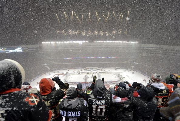 29 Majestic Snow Photos From The NHL Stadium Series At Soldier Field