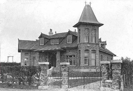 Rockhaven, the imposing 16-room house Ernest Godward designed and built in Queens Dr, Invercargill, soon after its completion in 1906. Photo supplied.